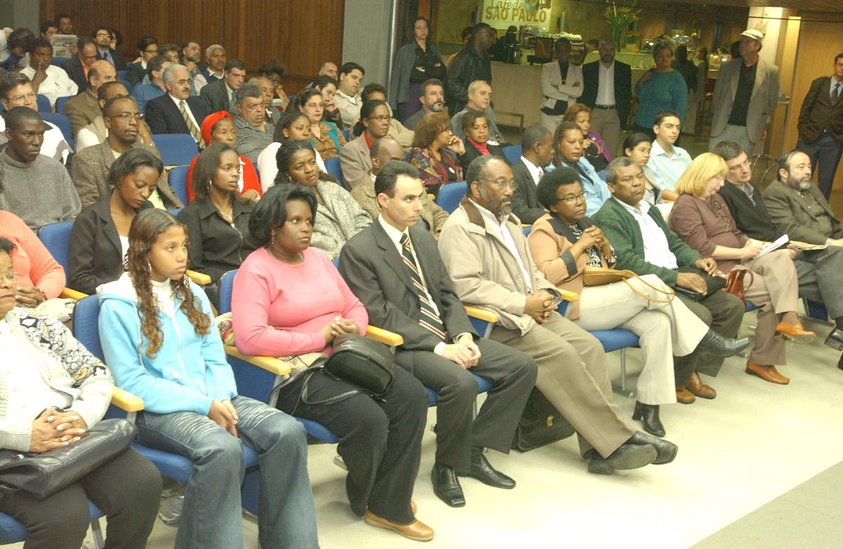Presença de representantes de entidades ligadas aos direitos de diversas etnias