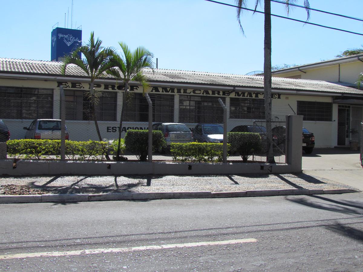 Pleiteados recursos para reforma em escola de Marília