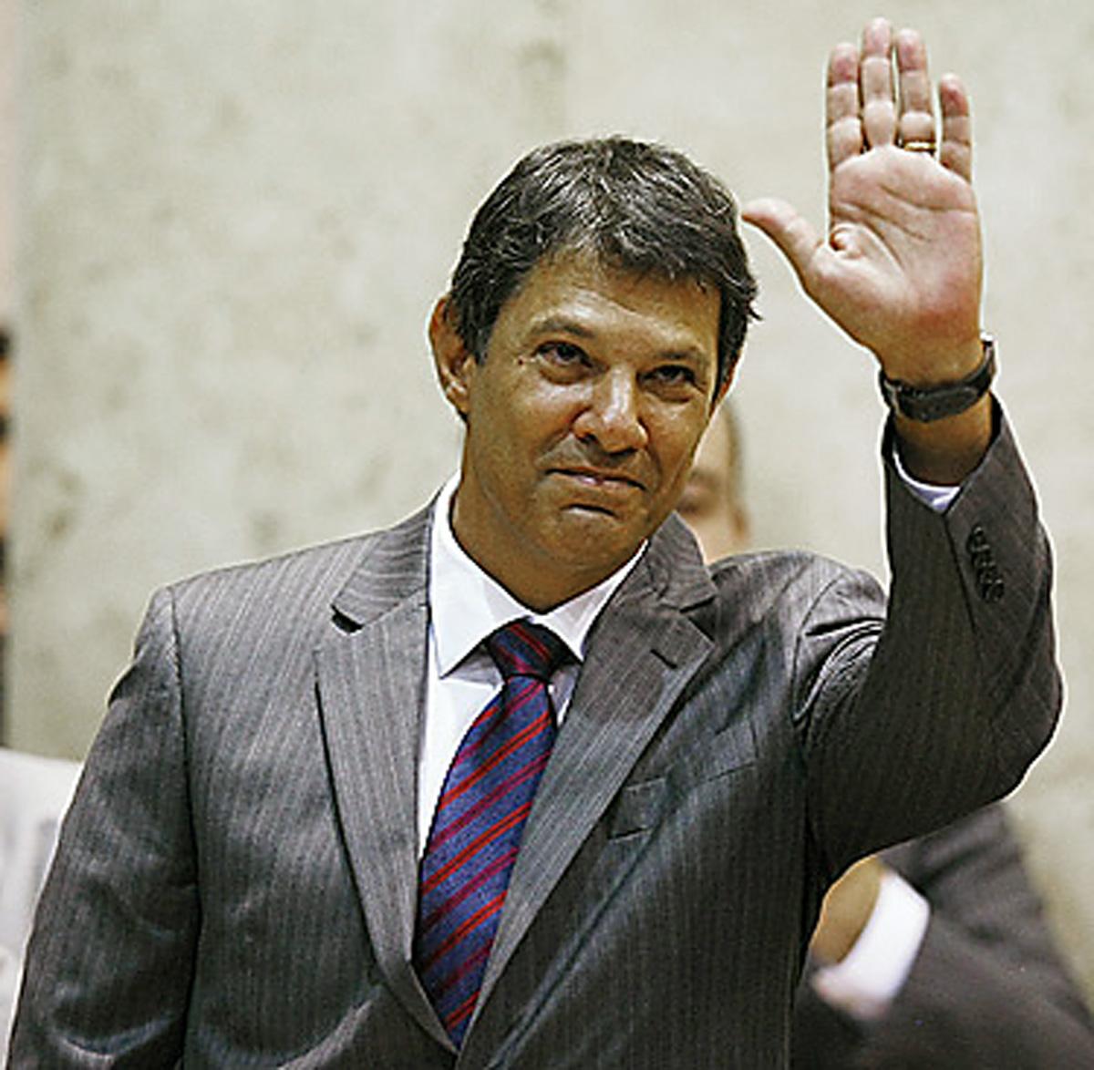 Fernando Haddad, atual prefeito de São Paulo<a style='float:right' href='https://www3.al.sp.gov.br/repositorio/noticia/N-01-2013/fg120564.jpg' target=_blank><img src='/_img/material-file-download-white.png' width='14px' alt='Clique para baixar a imagem'></a>