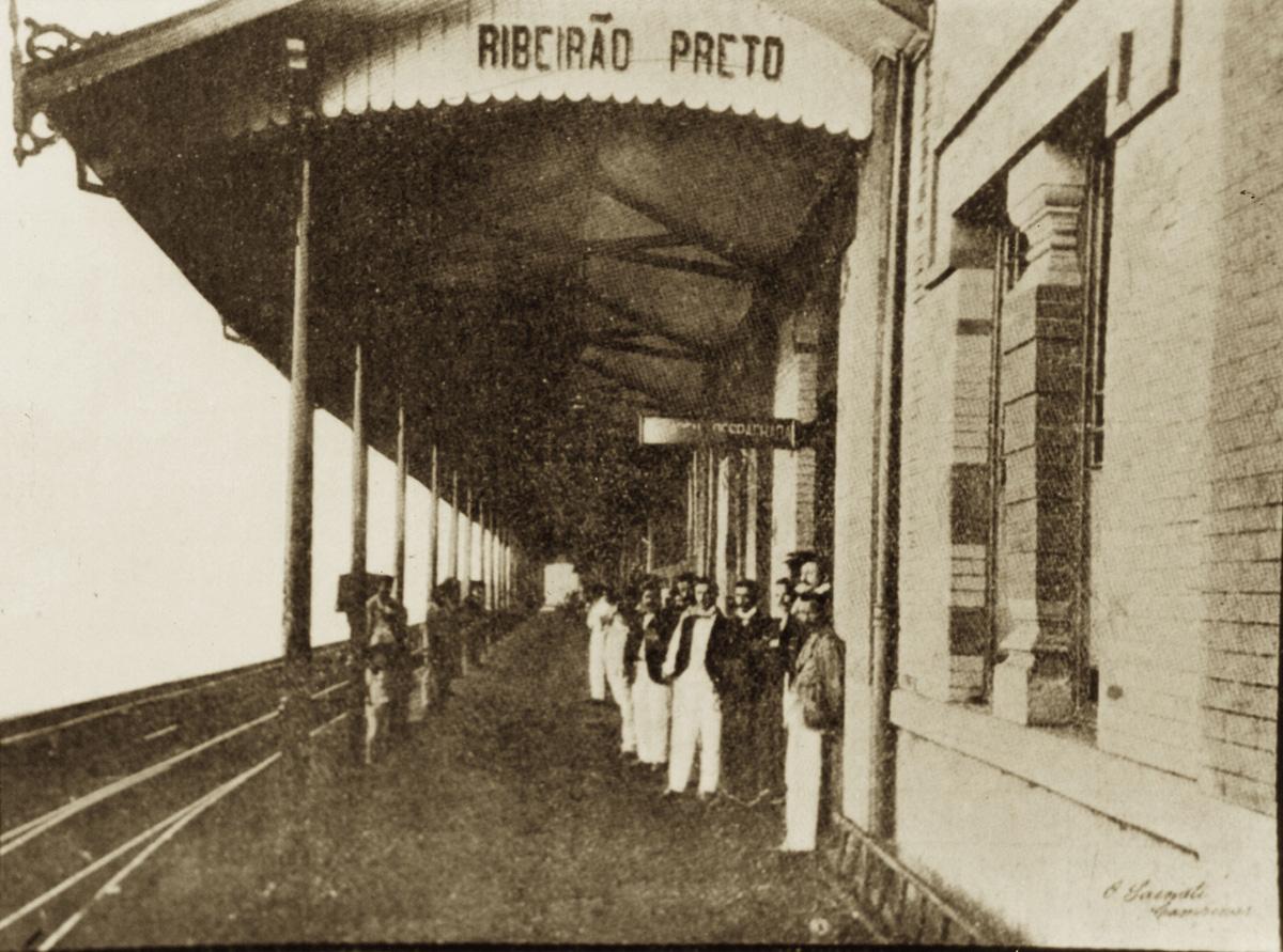 Estação Ribeirão Preto da Cia Mogiana<a style='float:right' href='https://www3.al.sp.gov.br/repositorio/noticia/N-01-2013/fg120713.jpg' target=_blank><img src='/_img/material-file-download-white.png' width='14px' alt='Clique para baixar a imagem'></a>