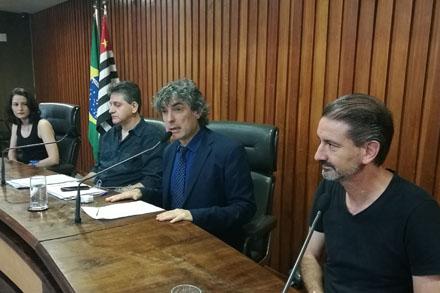 Audiência reuniu alunos e professores demitidos da universidade Estácio de Sá
