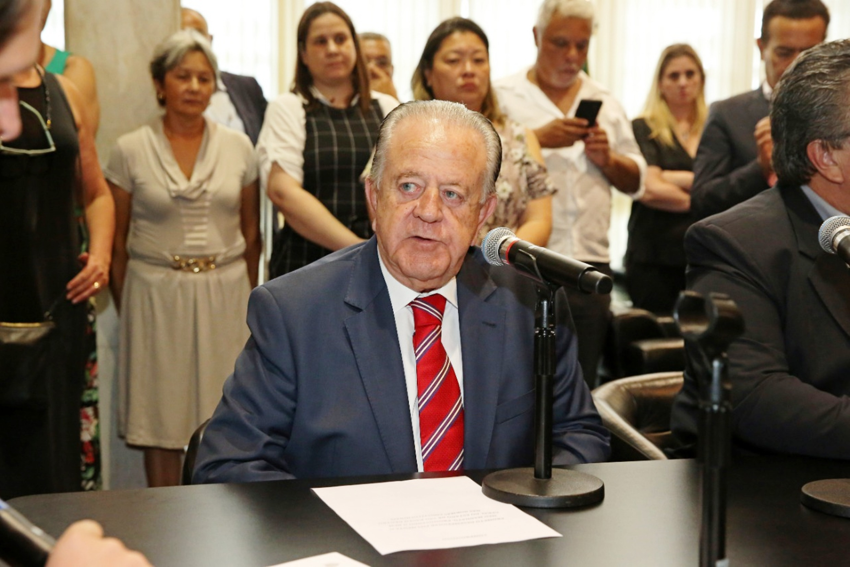 Luiz Gonzaga Vieira<a style='float:right' href='https://www3.al.sp.gov.br/repositorio/noticia/N-01-2019/fg229124.jpg' target=_blank><img src='/_img/material-file-download-white.png' width='14px' alt='Clique para baixar a imagem'></a>
