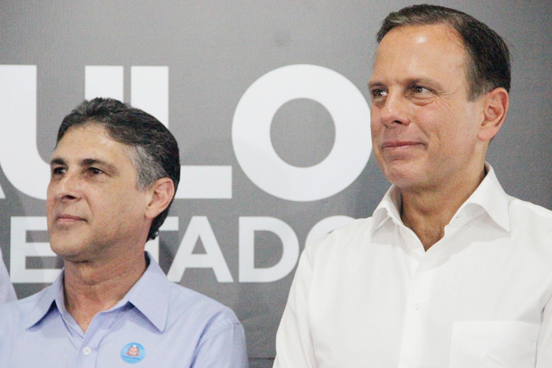 Sebastião Santos e João Doria <a style='float:right' href='https://www3.al.sp.gov.br/repositorio/noticia/N-01-2019/fg229299.jpg' target=_blank><img src='/_img/material-file-download-white.png' width='14px' alt='Clique para baixar a imagem'></a>