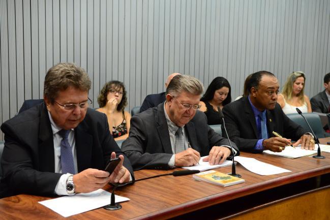 Deputados na reunião desta terça-feira, 14/2, da Comissão de Meio Ambiente e Desenvolvimento Sustentável