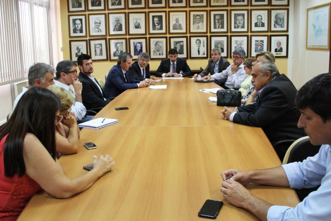 Reunião na Secretária estadual de Saúde.