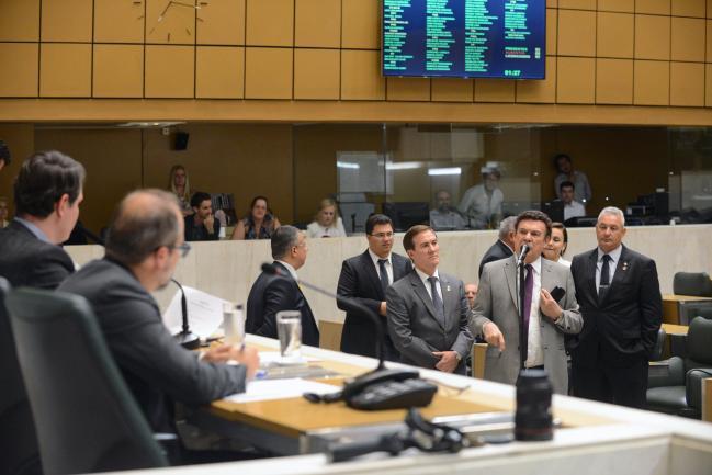 Deputados no plenário JK