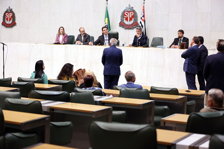 Plenário Juscelino Kubitschek<a style='float:right' href='https://www3.al.sp.gov.br/repositorio/noticia/N-02-2020/fg246790.jpg' target=_blank><img src='/_img/material-file-download-white.png' width='14px' alt='Clique para baixar a imagem'></a>