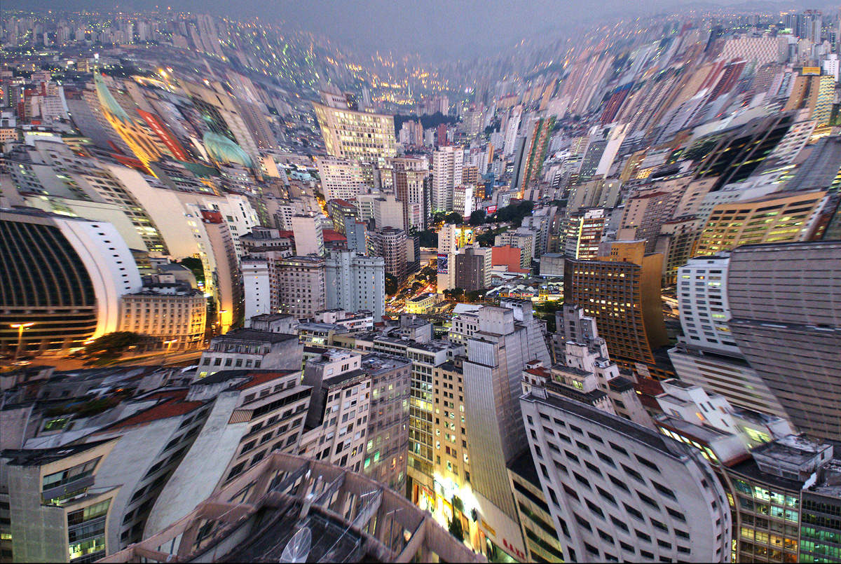 Interpretações sobre São Paulo<a style='float:right' href='https://www3.al.sp.gov.br/repositorio/noticia/N-03-2013/fg123061.jpg' target=_blank><img src='/_img/material-file-download-white.png' width='14px' alt='Clique para baixar a imagem'></a>