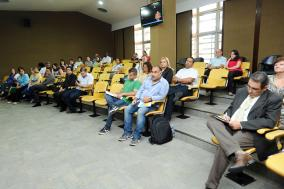 Público no auditório Teotônio Vilela acompanha debates