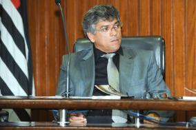 Padre Afonso Lobato preside debate