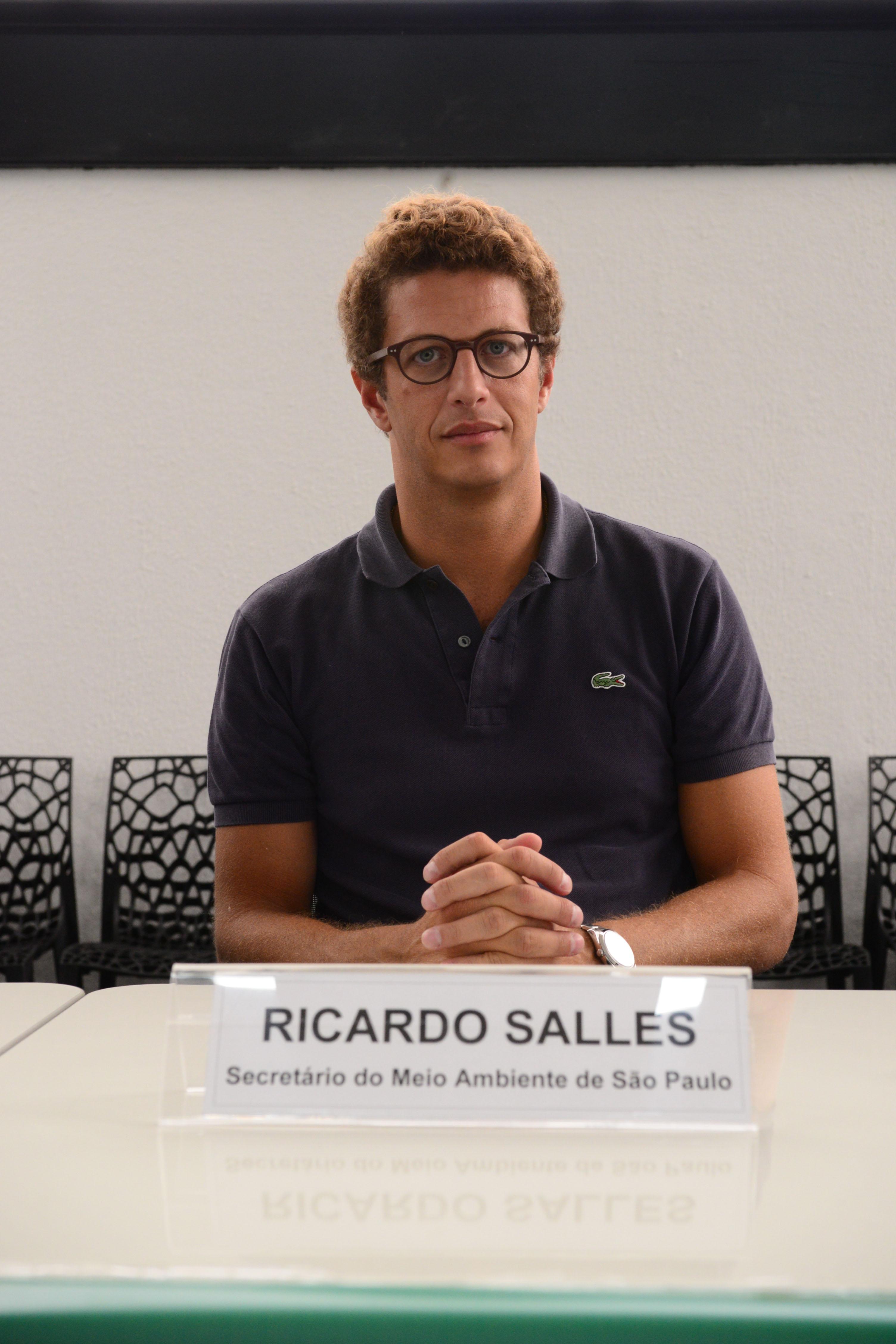 Ricardo Salles, secretário estadual do Meio Ambiente aborda questões de fiscalização <a style='float:right' href='https://www3.al.sp.gov.br/repositorio/noticia/N-03-2017/fg200077.jpg' target=_blank><img src='/_img/material-file-download-white.png' width='14px' alt='Clique para baixar a imagem'></a>