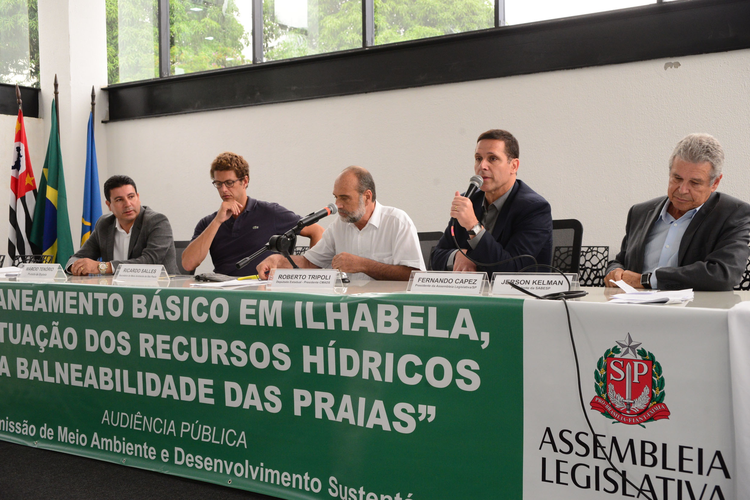 Fernando Capez na abertura dos trabalhos <a style='float:right' href='https://www3.al.sp.gov.br/repositorio/noticia/N-03-2017/fg200079.jpg' target=_blank><img src='/_img/material-file-download-white.png' width='14px' alt='Clique para baixar a imagem'></a>