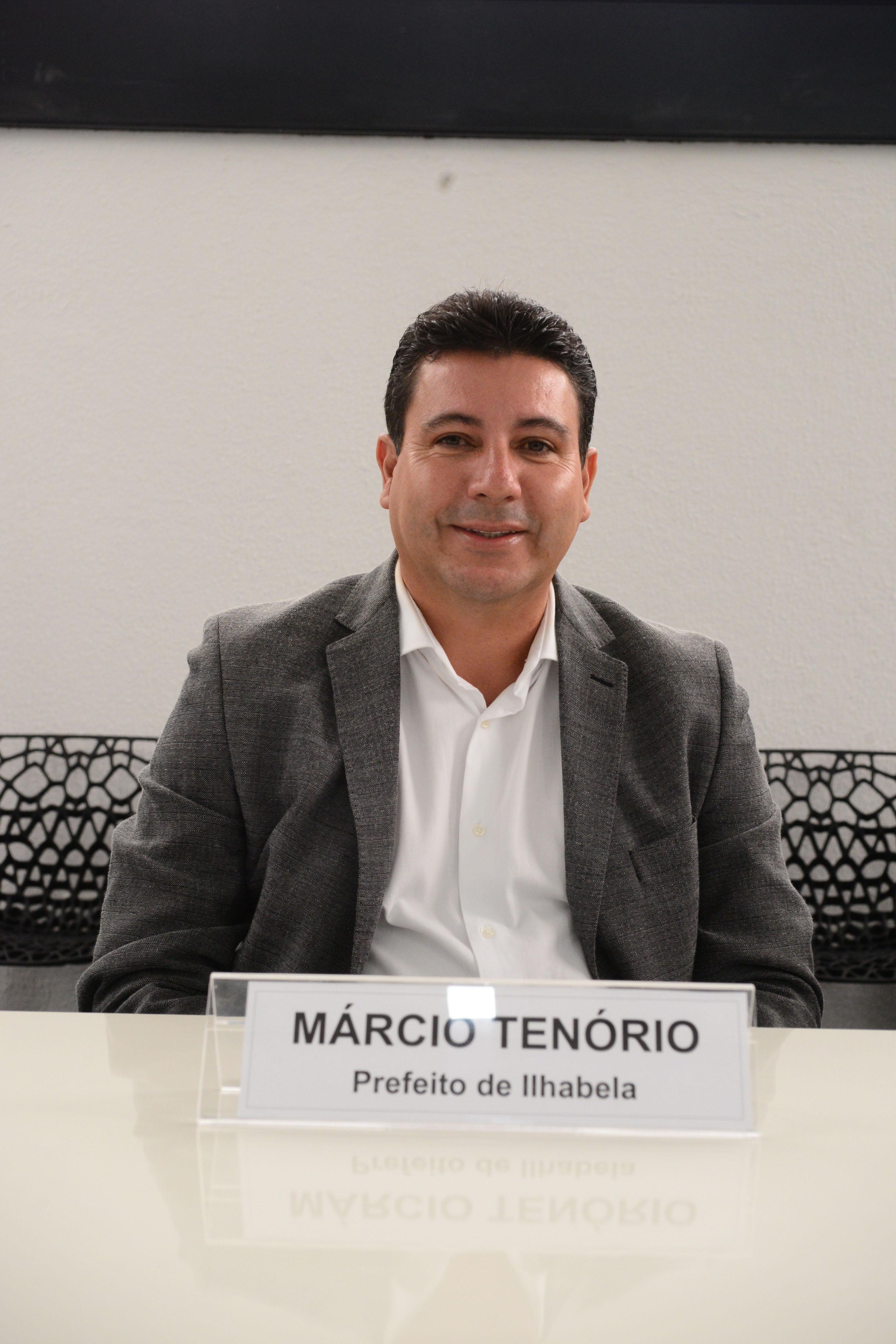 Márcio Tenório, prefeito de Ilhabela, destaca necessidade de investimentos para estações de tratamento de água <a style='float:right' href='https://www3.al.sp.gov.br/repositorio/noticia/N-03-2017/fg200080.jpg' target=_blank><img src='/_img/material-file-download-white.png' width='14px' alt='Clique para baixar a imagem'></a>