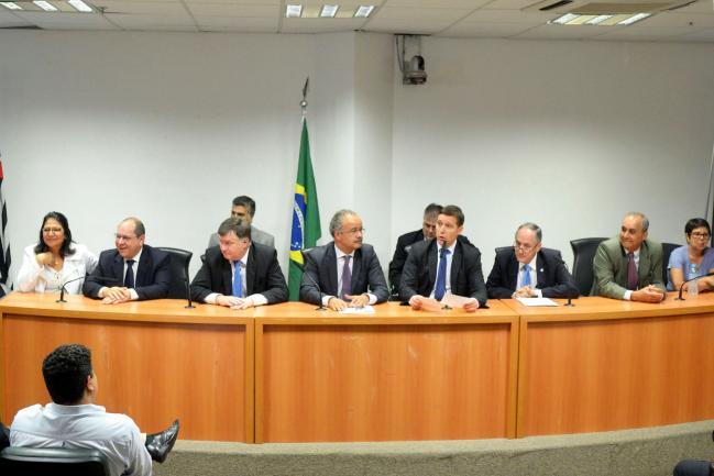 Capez preside reunião sobre reforma política
