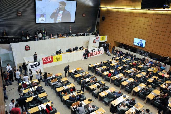 Assembleia sedia debate sobre Plano Estadual de Educação
