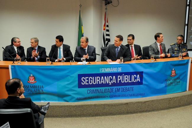 Seminário sobre segurança pública no Parlamento paulista