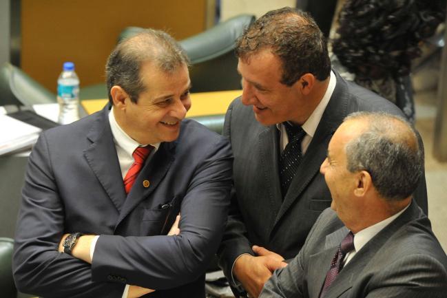 Luiz Fernando T. Ferreira (à esq.), 1º secretário