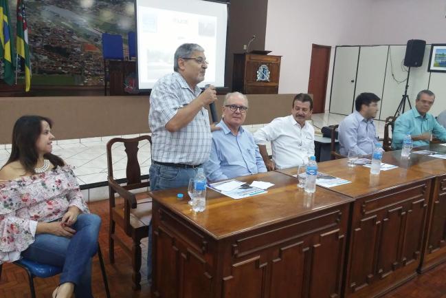Pedro Tobias fala em reunião do Consórcio Intermunicipal Tietê-Paraná.