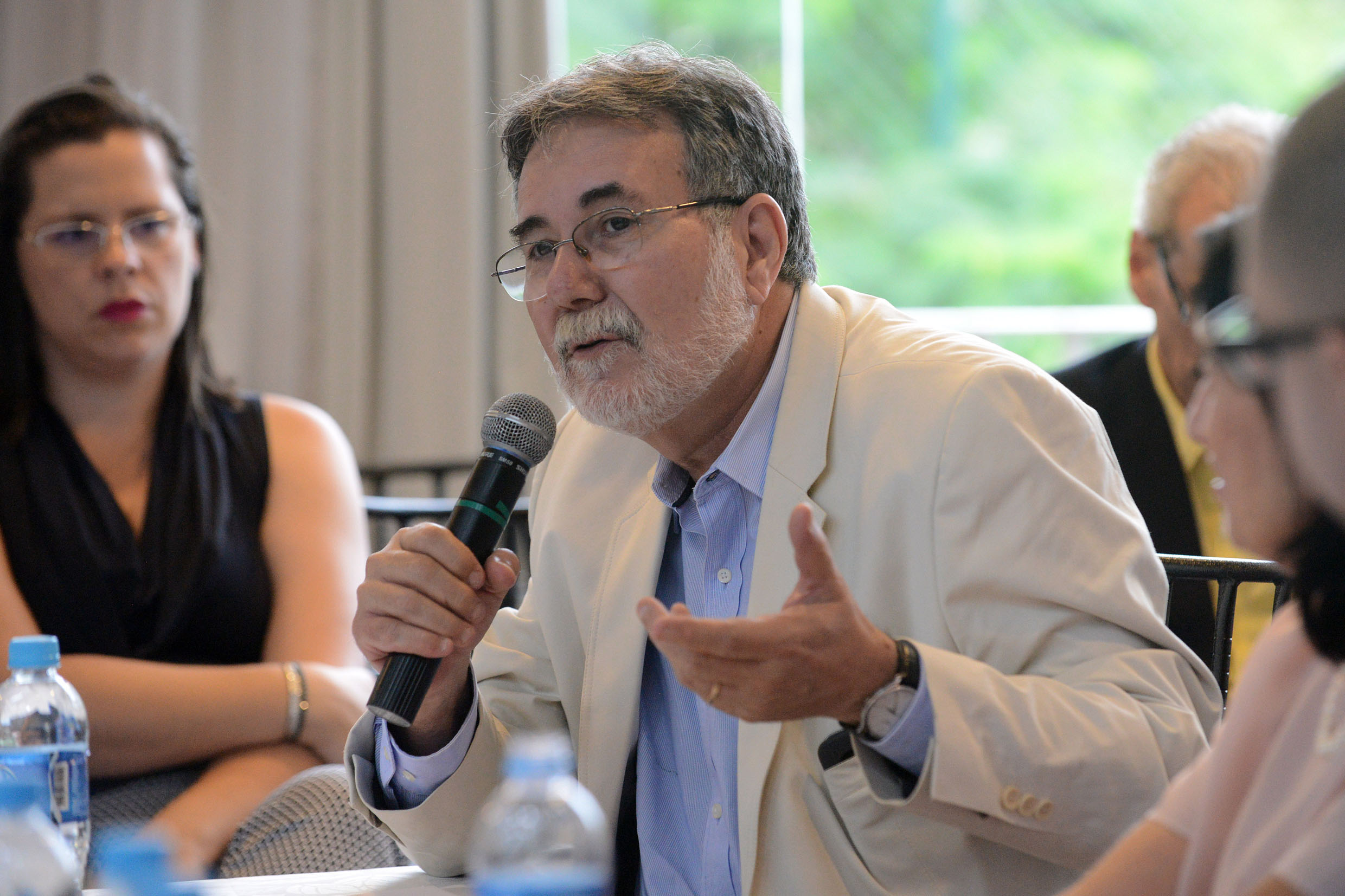 Carlos Américo Pacheco<a style='float:right' href='https://www3.al.sp.gov.br/repositorio/noticia/N-03-2018/fg218623.jpg' target=_blank><img src='/_img/material-file-download-white.png' width='14px' alt='Clique para baixar a imagem'></a>