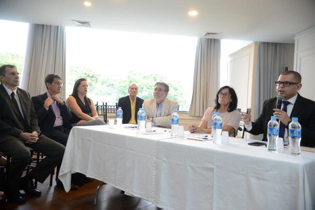 Carlos Américo Pacheco, Célia Leão e Vinicius Schurgelies