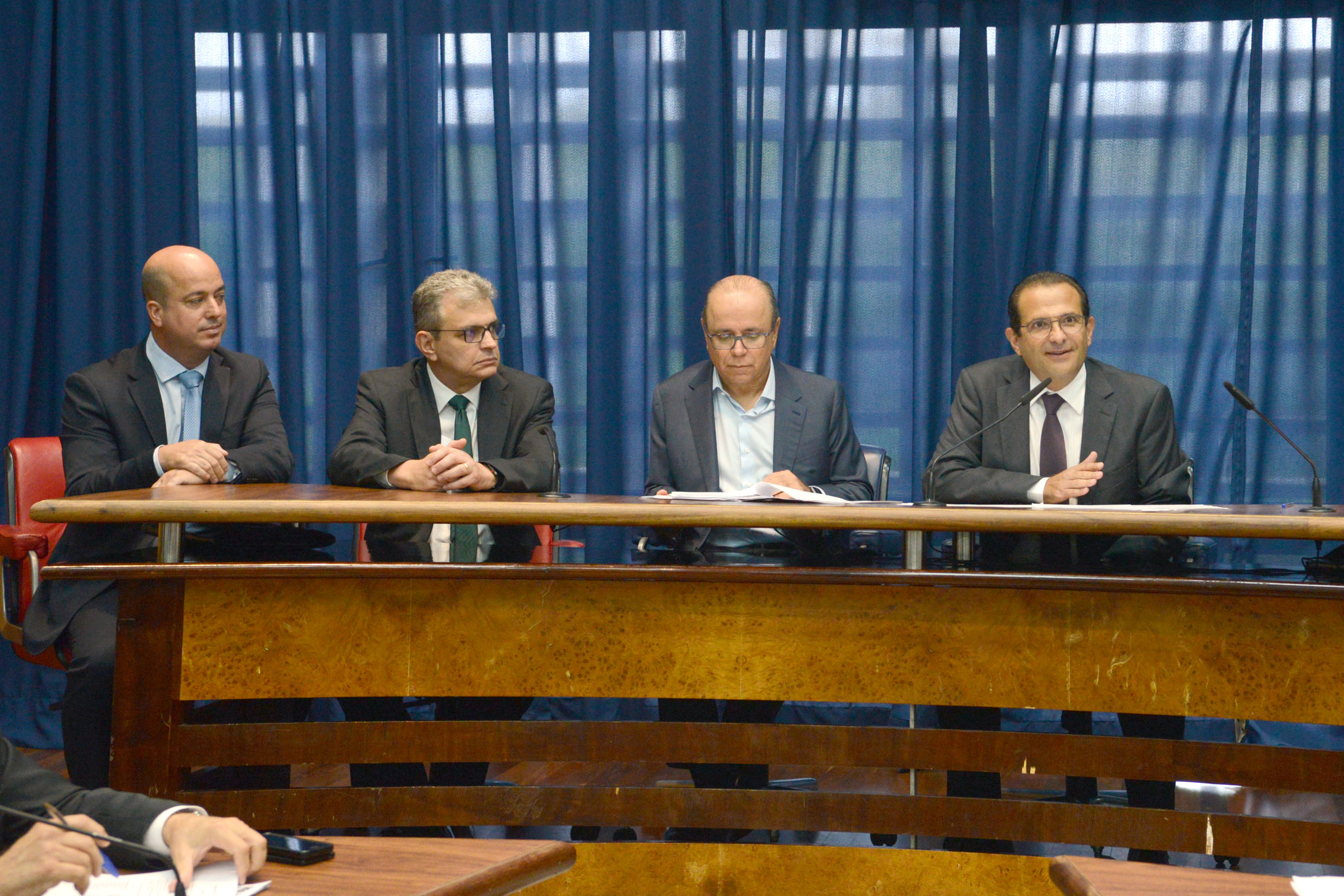Edmir Chedid preside a comissão<a style='float:right' href='https://www3.al.sp.gov.br/repositorio/noticia/N-03-2019/fg231010.jpg' target=_blank><img src='/_img/material-file-download-white.png' width='14px' alt='Clique para baixar a imagem'></a>