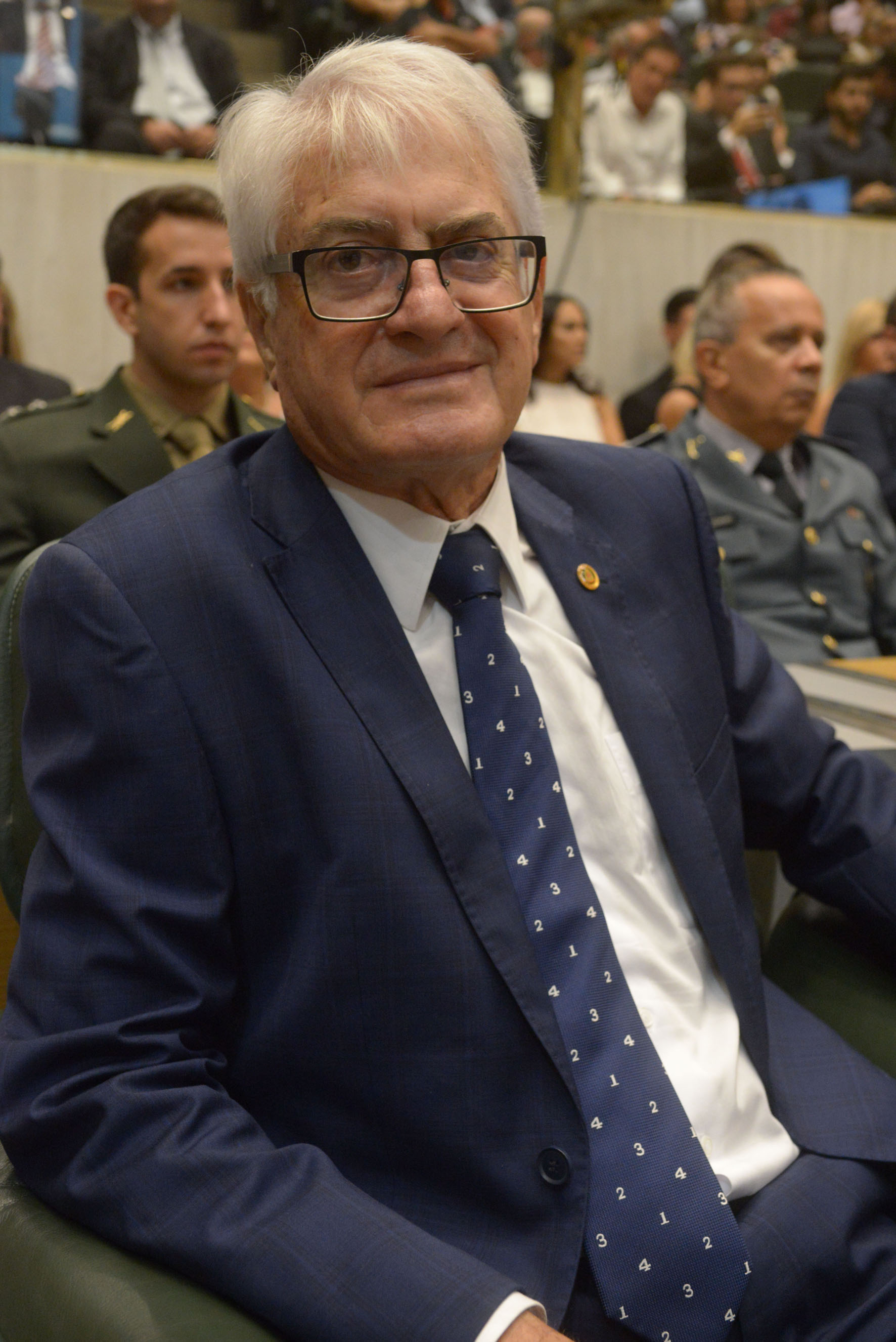Roberto Engler<a style='float:right' href='https://www3.al.sp.gov.br/repositorio/noticia/N-03-2019/fg231593.jpg' target=_blank><img src='/_img/material-file-download-white.png' width='14px' alt='Clique para baixar a imagem'></a>