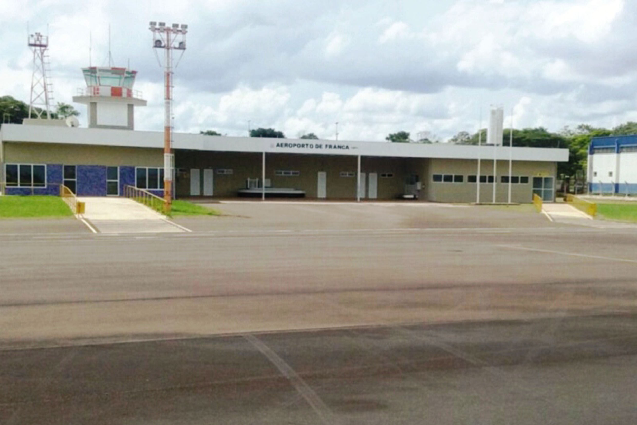 Aeroporto Tenente Lund Presotto<a style='float:right' href='https://www3.al.sp.gov.br/repositorio/noticia/N-03-2019/fg232207.jpg' target=_blank><img src='/_img/material-file-download-white.png' width='14px' alt='Clique para baixar a imagem'></a>