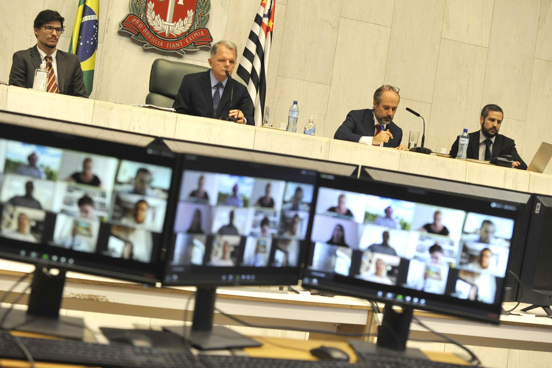 Comissão de Constituição, Justiça e Redação<a style='float:right' href='https://www3.al.sp.gov.br/repositorio/noticia/N-03-2020/fg248112.jpg' target=_blank><img src='/_img/material-file-download-white.png' width='14px' alt='Clique para baixar a imagem'></a>