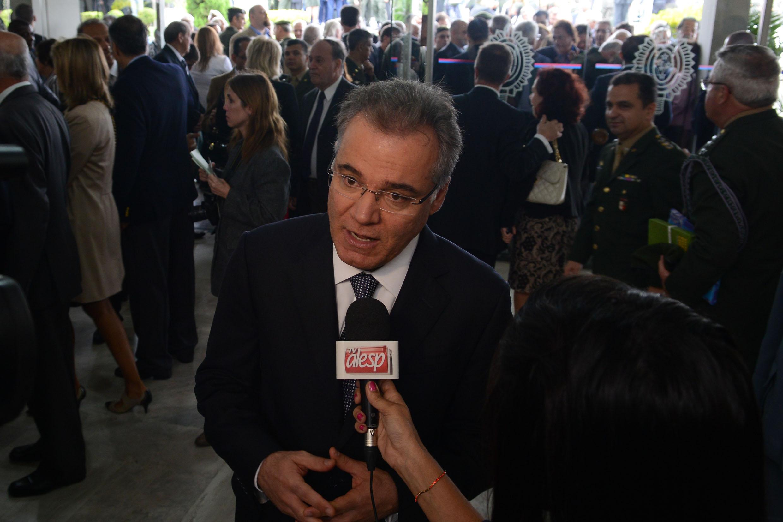 Samuel Moreira concede entrevista a Tv Alesp <a style='float:right' href='https://www3.al.sp.gov.br/repositorio/noticia/N-04-2014/fg161041.jpg' target=_blank><img src='/_img/material-file-download-white.png' width='14px' alt='Clique para baixar a imagem'></a>