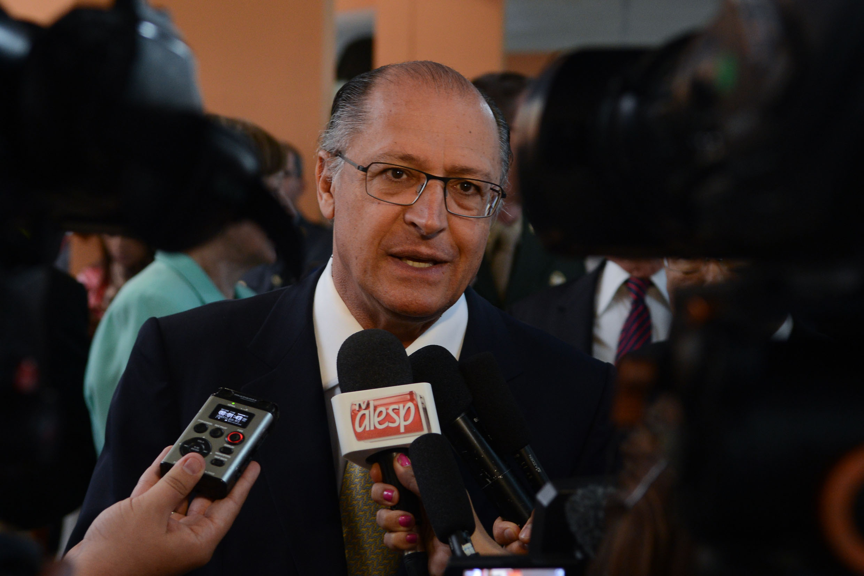 Governador Geraldo Alckmin<a style='float:right' href='https://www3.al.sp.gov.br/repositorio/noticia/N-04-2014/fg161111.jpg' target=_blank><img src='/_img/material-file-download-white.png' width='14px' alt='Clique para baixar a imagem'></a>