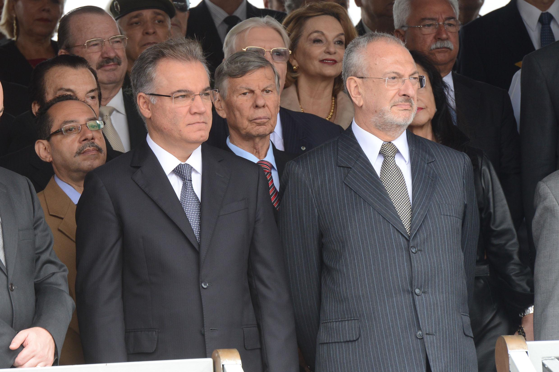 Presidente Samuel Moreira, Welson Gasparini, José Renato Nalini, presidente do Tribunal de Justiça de São Paulo e autoridades <a style='float:right' href='https://www3.al.sp.gov.br/repositorio/noticia/N-04-2014/fg161121.jpg' target=_blank><img src='/_img/material-file-download-white.png' width='14px' alt='Clique para baixar a imagem'></a>