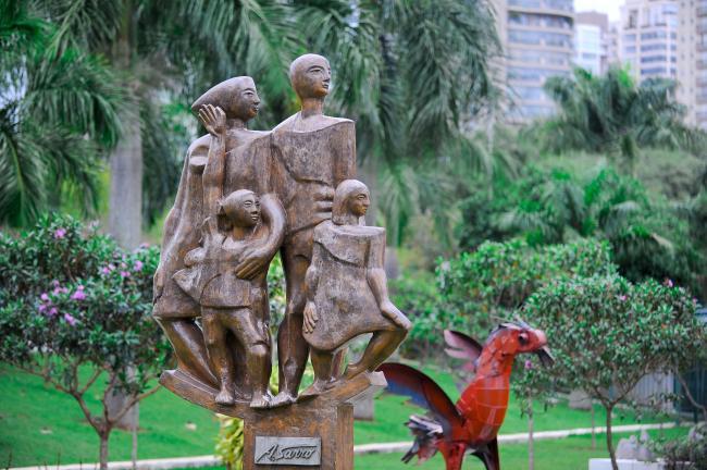 Escultura 'Horizonte' de Adélio Sarro está exposta no 'Museu do Bandeirante' da Assembleia Legislativa