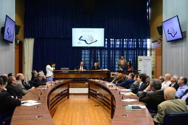 Reunião desta quinta-feira, 20/4, da Frente Parlamentar em prol do Transporte Metroferroviário.
