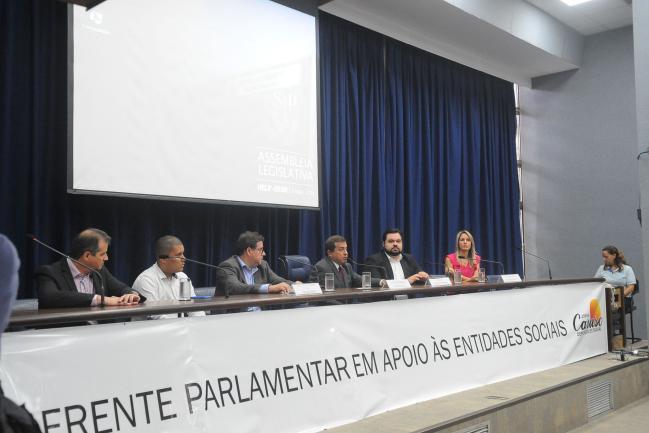 Mesa da  frente parlamentar