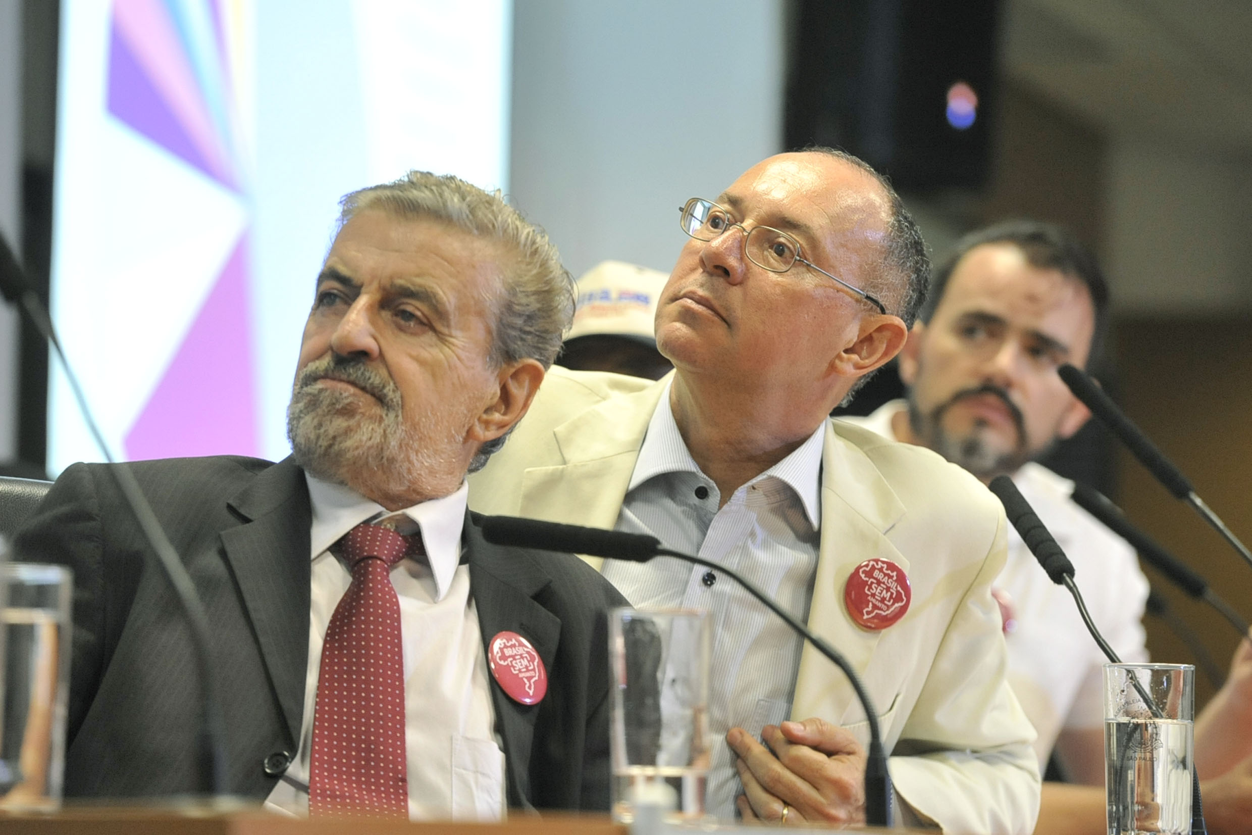 Marcos Martins e Paulo Fiorilo<a style='float:right' href='https://www3.al.sp.gov.br/repositorio/noticia/N-04-2019/fg233283.jpg' target=_blank><img src='/_img/material-file-download-white.png' width='14px' alt='Clique para baixar a imagem'></a>