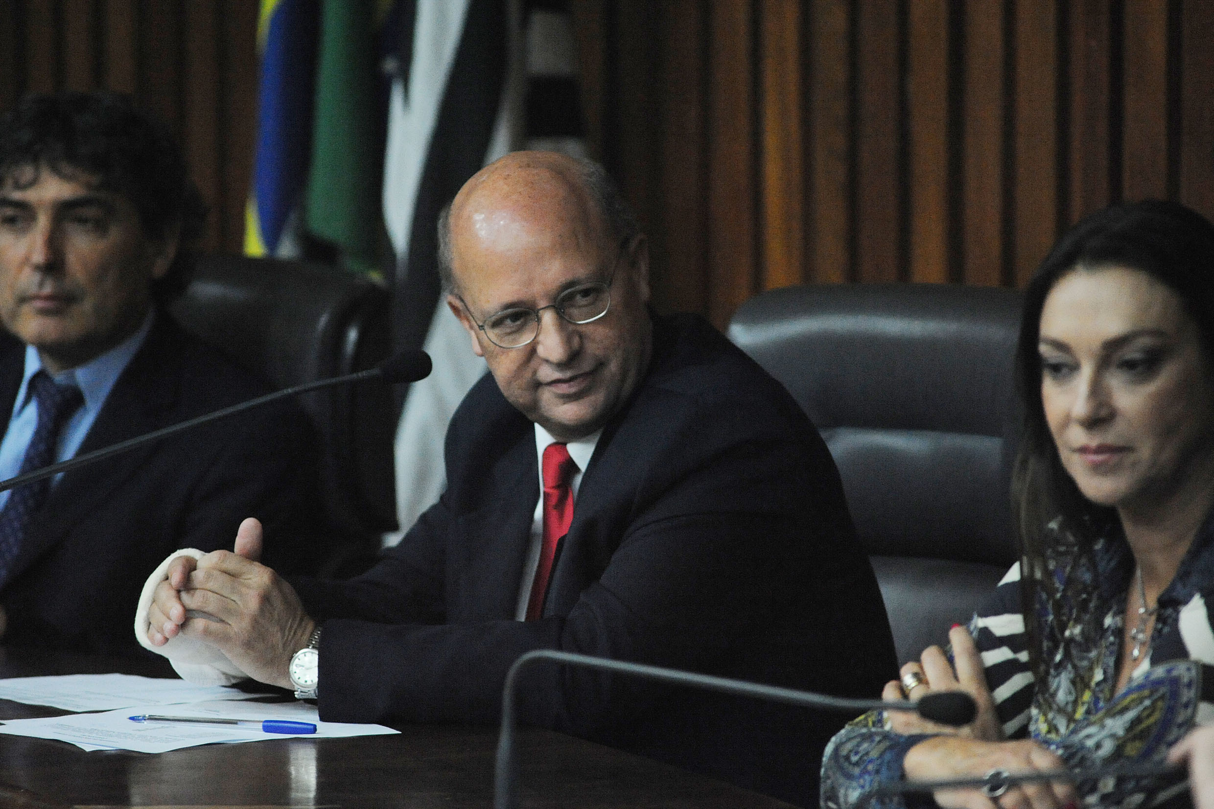 Carlos Giannazi, Carlos Neder e Rita Passos<a style='float:right' href='https://www3.al.sp.gov.br/repositorio/noticia/N-05-2014/fg161585.jpg' target=_blank><img src='/_img/material-file-download-white.png' width='14px' alt='Clique para baixar a imagem'></a>