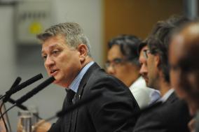 Beto Trícoli na presidência da comissão
