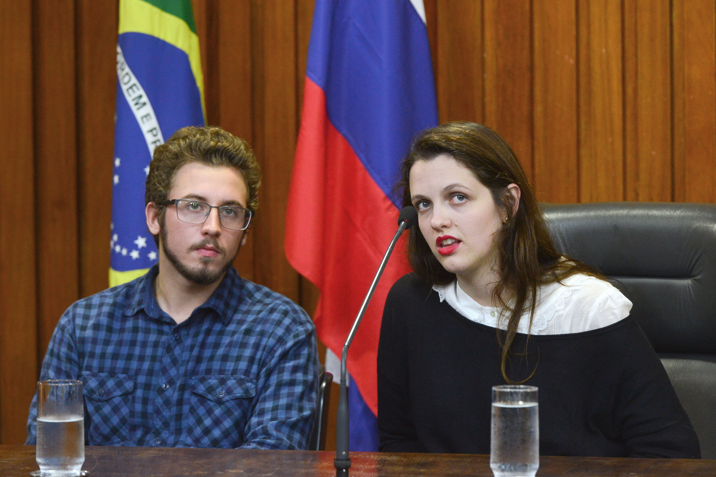 Ivan Dimitry Zyrianoff e Vera Gers Dimitrinov<a style='float:right' href='https://www3.al.sp.gov.br/repositorio/noticia/N-05-2015/fg170810.jpg' target=_blank><img src='/_img/material-file-download-white.png' width='14px' alt='Clique para baixar a imagem'></a>