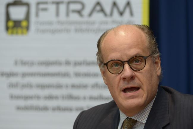 Guilherme Quintella em reunião da frente parlamentar.