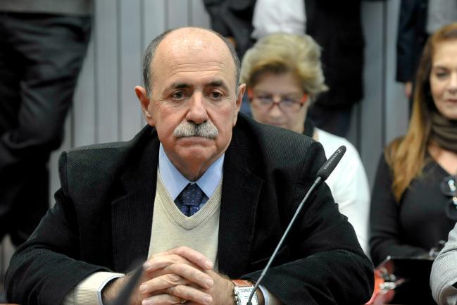 João Caramez em reunião da CPI.