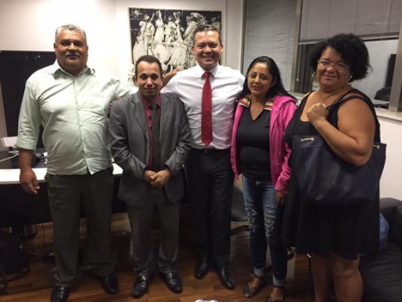 Paulo Correa Jr. (centro).