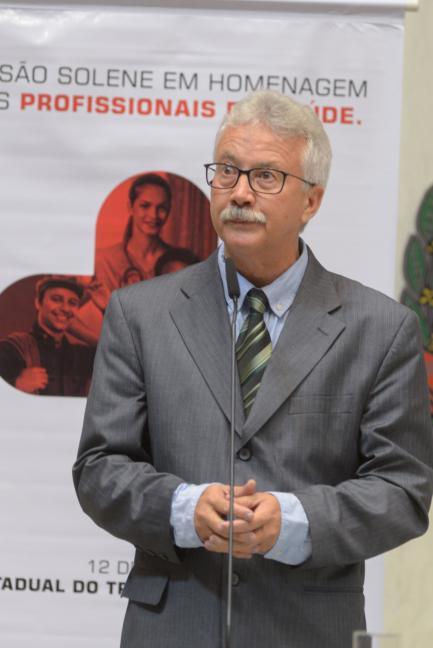 Edison Laércio de Oliveira.