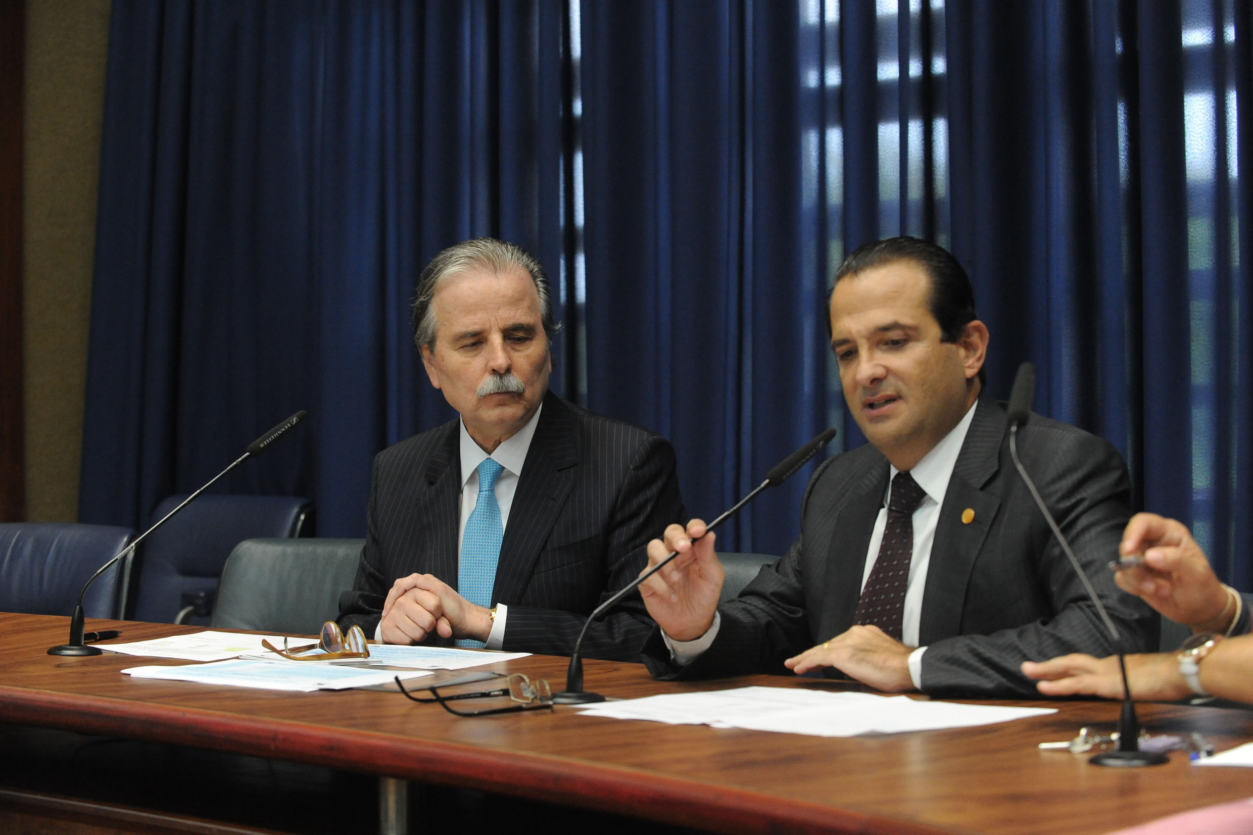Renato Martins Costa e Edmir Chedid<a style='float:right' href='https://www3.al.sp.gov.br/repositorio/noticia/N-05-2018/fg222264.jpg' target=_blank><img src='/_img/material-file-download-white.png' width='14px' alt='Clique para baixar a imagem'></a>