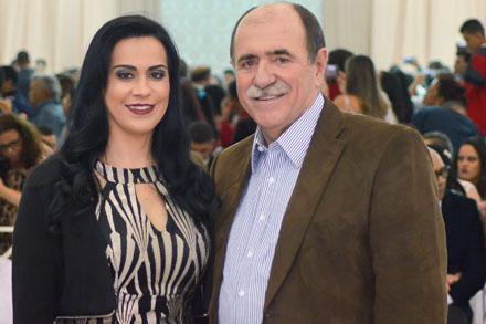 Lili Aymar promove casamento comunitário em Araçariguama