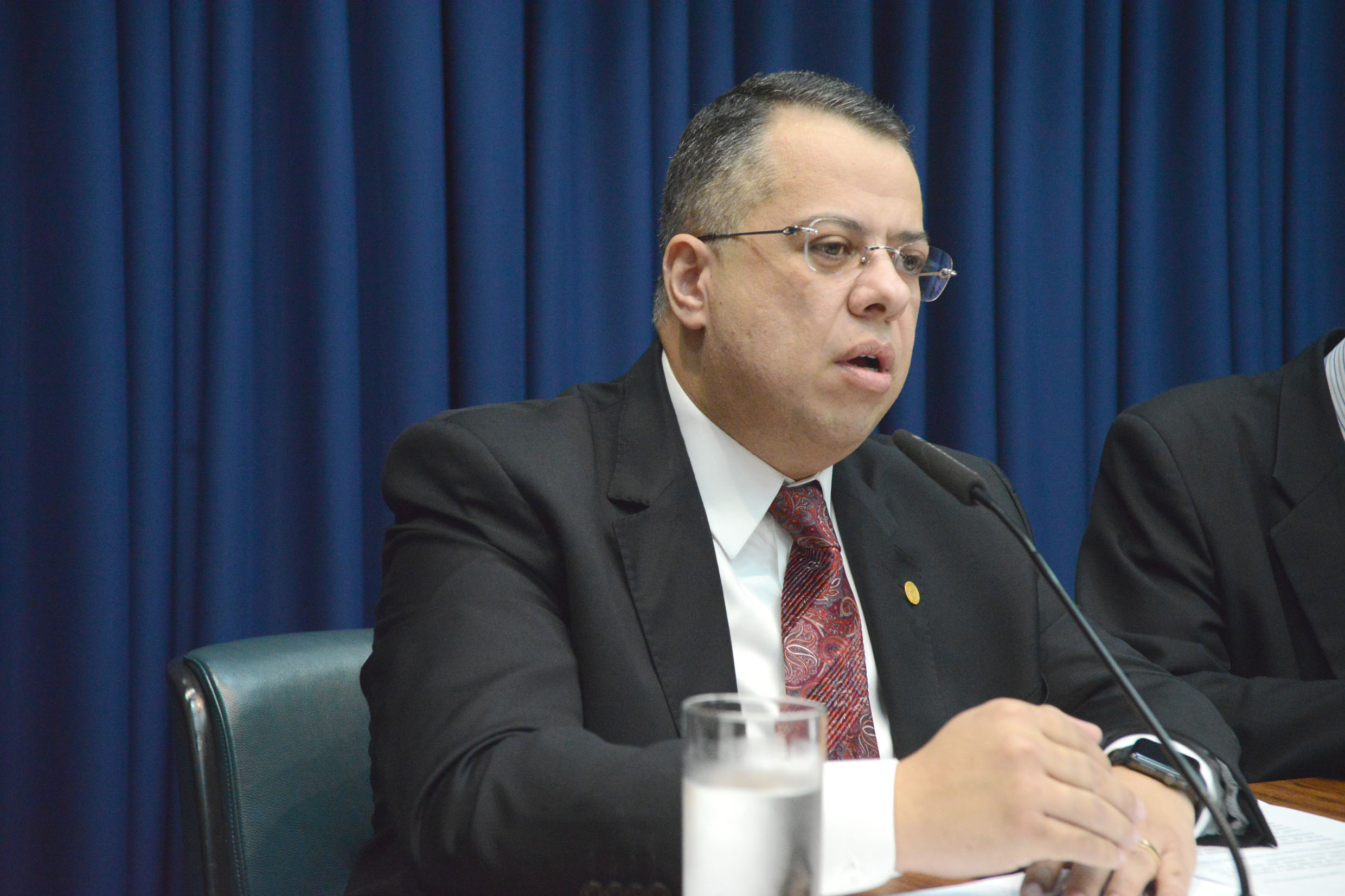 Wellington Moura preside a comissão<a style='float:right' href='https://www3.al.sp.gov.br/repositorio/noticia/N-05-2019/fg234921.jpg' target=_blank><img src='/_img/material-file-download-white.png' width='14px' alt='Clique para baixar a imagem'></a>