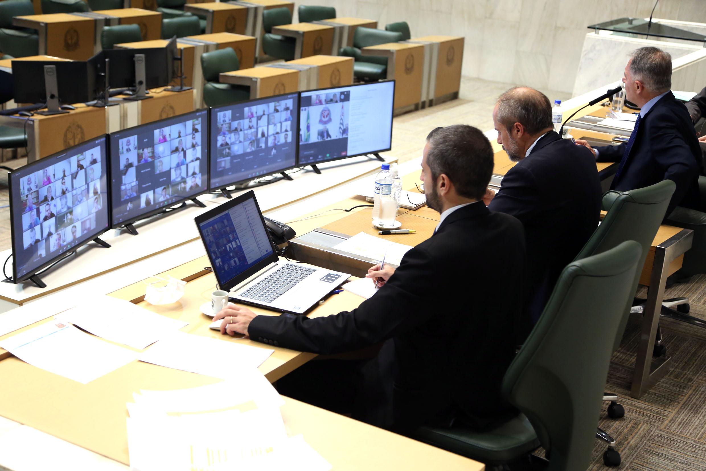 Congresso de comissões em ambiente virtual<a style='float:right' href='https://www3.al.sp.gov.br/repositorio/noticia/N-05-2020/fg249065.jpg' target=_blank><img src='/_img/material-file-download-white.png' width='14px' alt='Clique para baixar a imagem'></a>