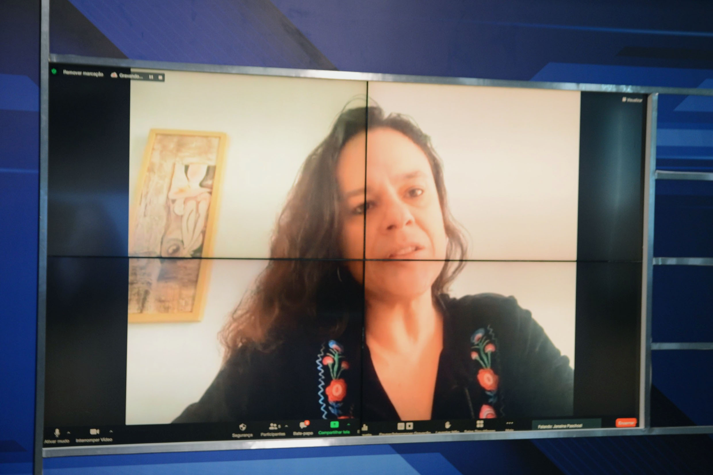 Janaina Paschoal na Tribuna Virtual<a style='float:right' href='https://www3.al.sp.gov.br/repositorio/noticia/N-05-2021/fg265995.jpg' target=_blank><img src='/_img/material-file-download-white.png' width='14px' alt='Clique para baixar a imagem'></a>