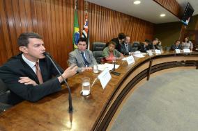 Renato Bignami, coordenador do programa de erradicação do trabalho escravo do MTE em São Paulo (ao microfone)
