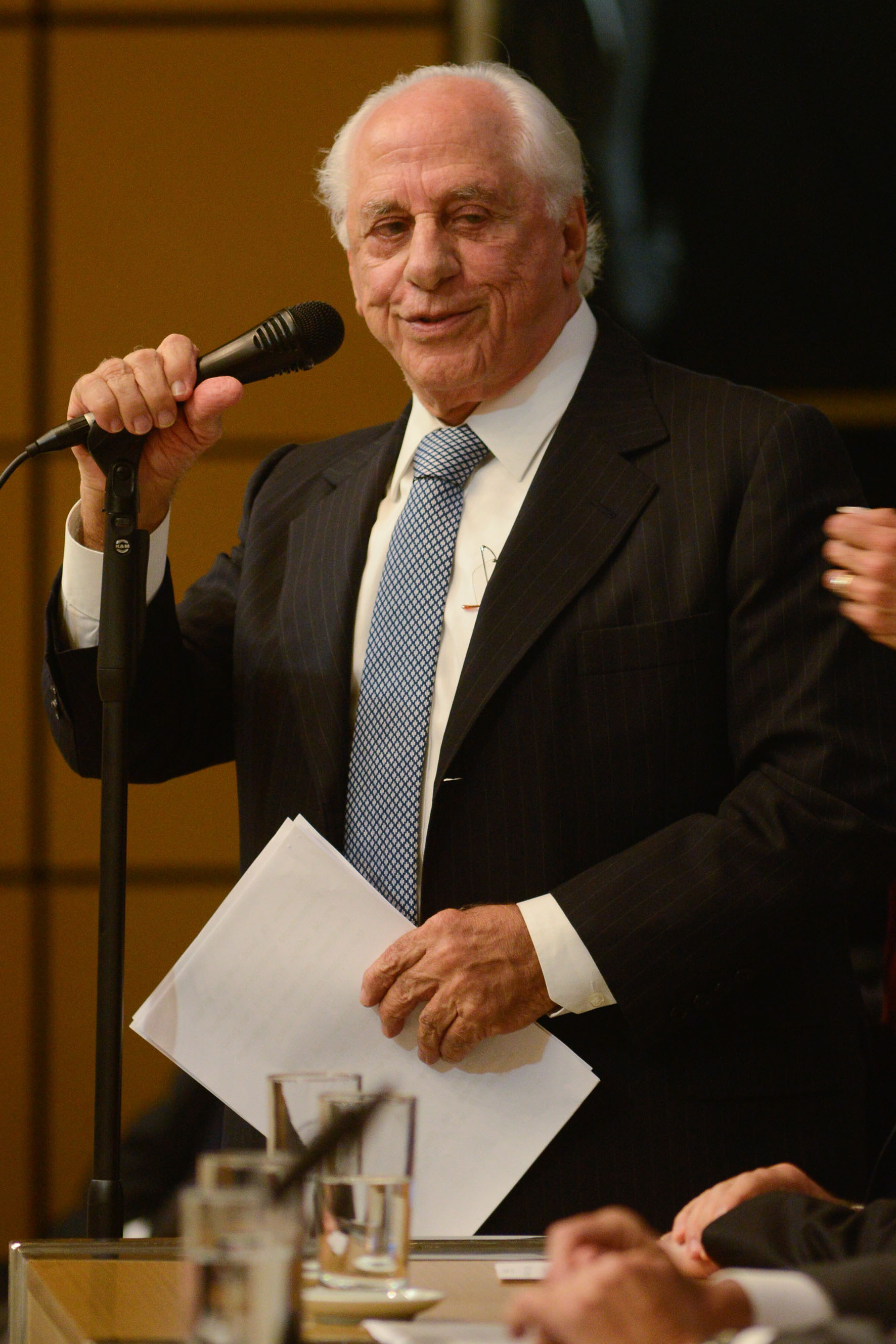 José Yunes<a style='float:right' href='https://www3.al.sp.gov.br/repositorio/noticia/N-06-2016/fg192080.jpg' target=_blank><img src='/_img/material-file-download-white.png' width='14px' alt='Clique para baixar a imagem'></a>