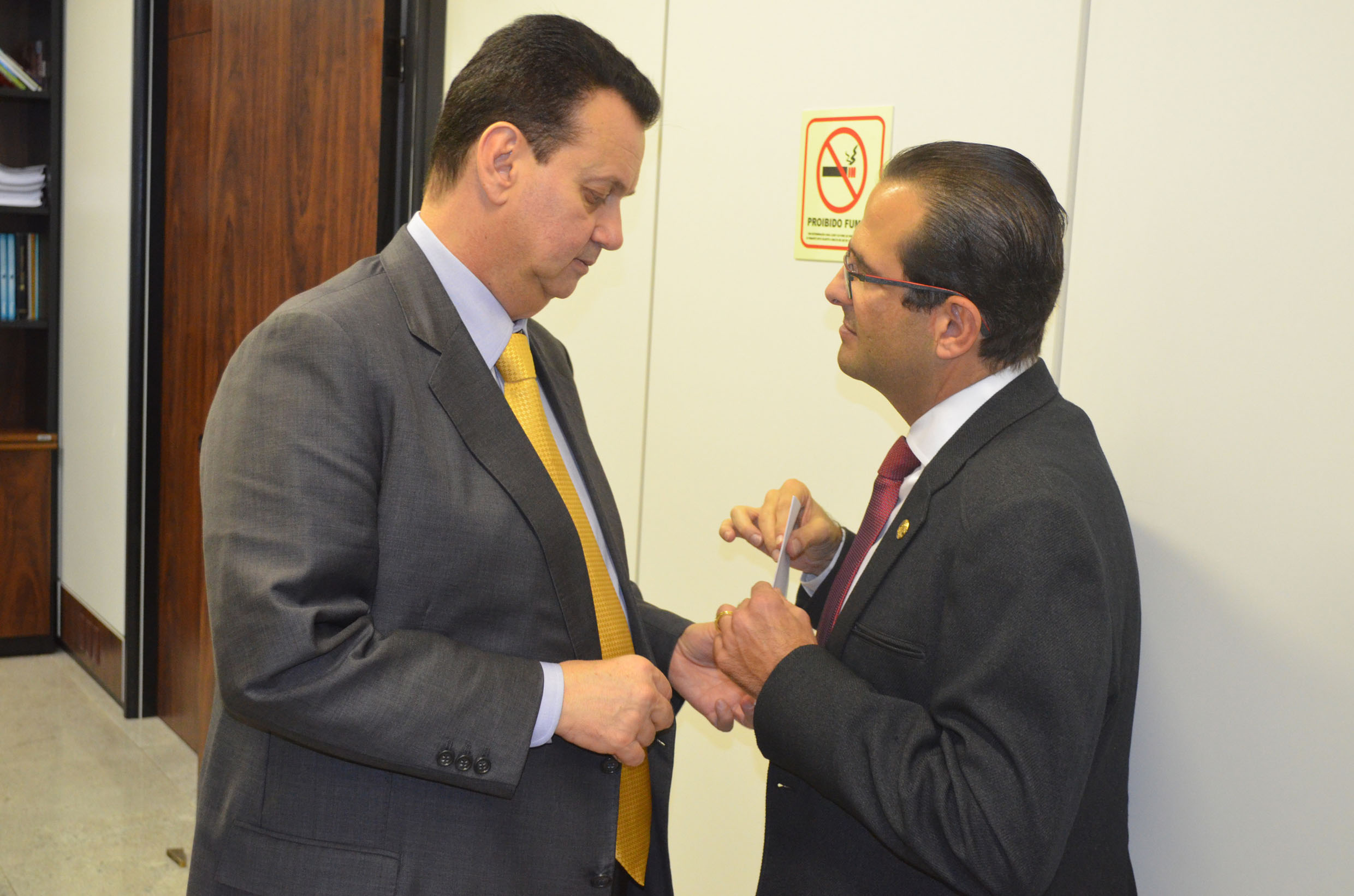 Gilberto Kassab e Edmir Chedid<a style='float:right' href='https://www3.al.sp.gov.br/repositorio/noticia/N-06-2016/fg192085.jpg' target=_blank><img src='/_img/material-file-download-white.png' width='14px' alt='Clique para baixar a imagem'></a>